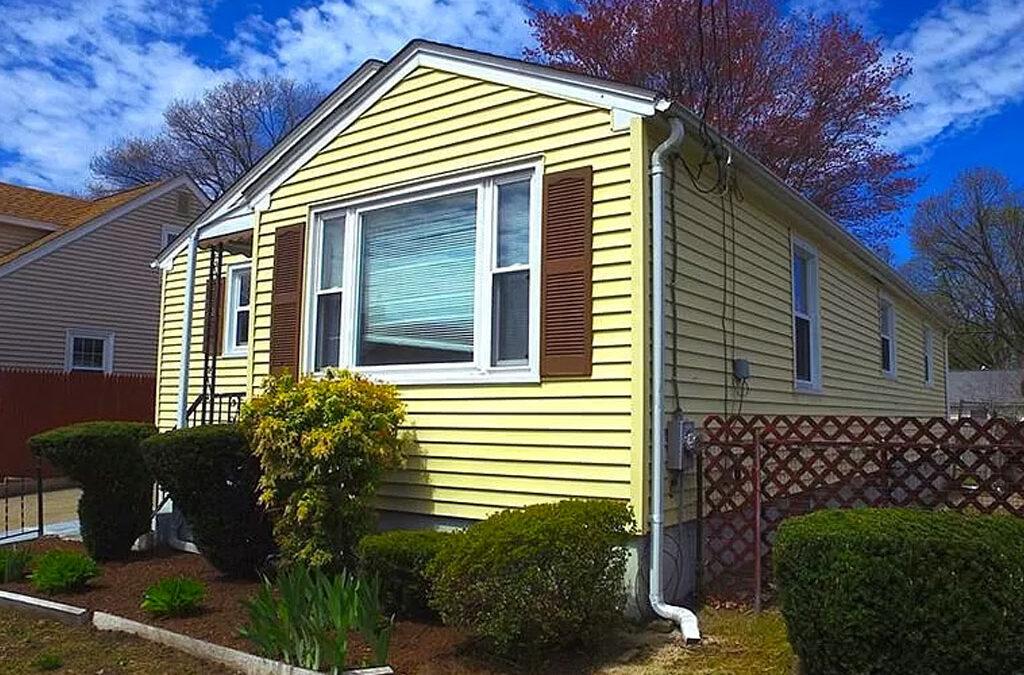 47 Chandler Ave, Pawtucket, RI 02860